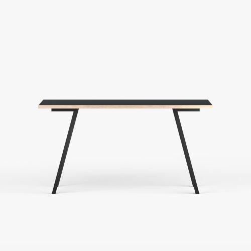 Desk-eg-sort-Vinkel-2