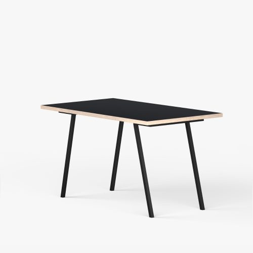 Desk-eg-sort-Vinkel-4