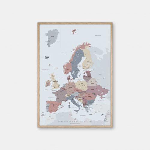 Europakort-plakat-lyseblaa-Copenhagen-Design-Studio-eg-ramme