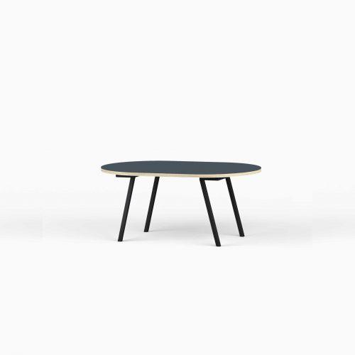Lille-Vinkel-1-Line-View-Lounge-Table-Krydsfiner-Sofa-Bord-SmokeyBlue-Lille-sort-ben