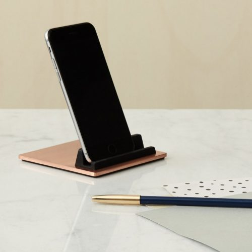 TILE-Copper-Ipad-Iphone-Holder-Design-Flot-holder-Domusnord-1