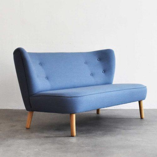 Take-a-Break-Sofa-Loungesofa-lounge-Powder-blue-half-side