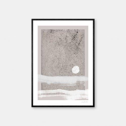 julia-hallstroem-sand-stone-plakat-sort-ramme