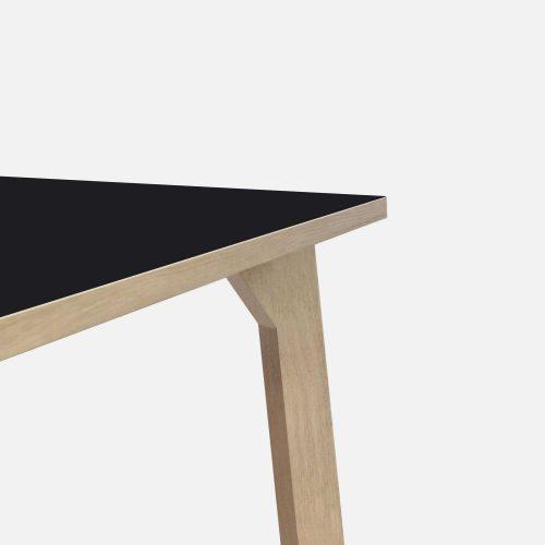 room-XL-table-legs-oak-black-detail1