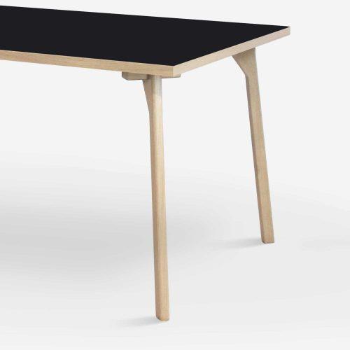 room-table-legs-oak-black-zoom